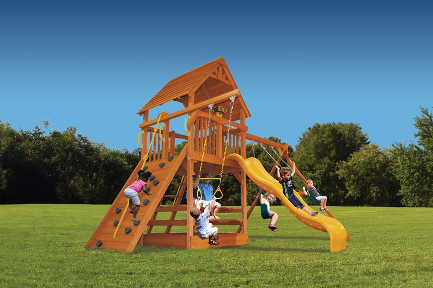 Deluxe Fort swing set with 2 position swing beam